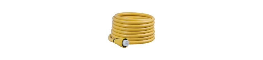 Câble avec prise de quai surmoulée